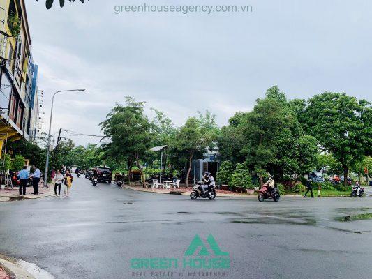 Đương trước nhà Kim Sơn